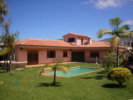 Grosses Haus mit Pool. Immobilie zum Kauf - kanarenmakler