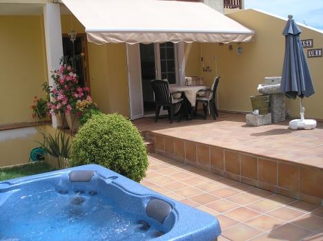 La Paz: attraktives Haus mit Jacuzzi im Garten, Terrassen, Wintergarten, große Garage. Immobilie zum Kauf - Paluum