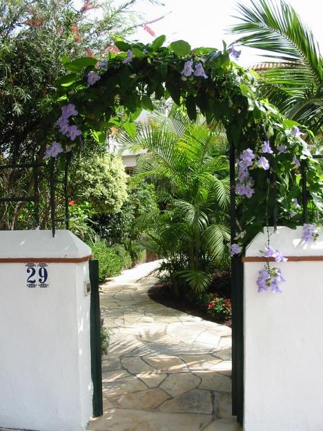 Luxus-Reihenhaus mit Garten.