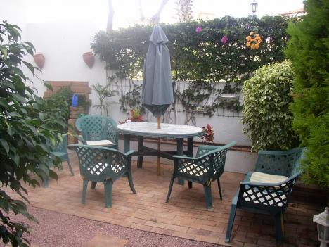Appartement mit 3 Schlafzimmern, schöne Garten und situiert in einen sehr ruhige Läge. Immobilie zur Miete - Paluum