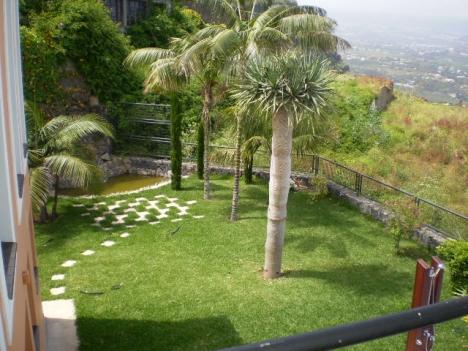 Erstbezug! Grosses Haus mit Garten, Terrassen, Beheizterpool.   Immobilie zum Kauf - Paluum