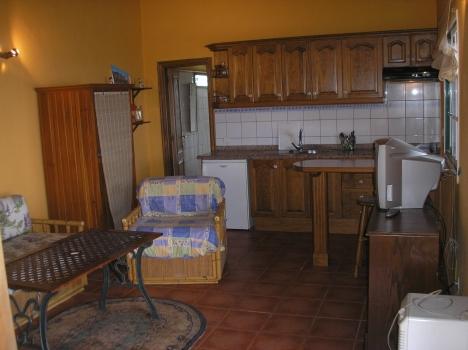 BARROSO: Möbliertes Appartement mit Panoramablick. sehr ruhig gelegen.