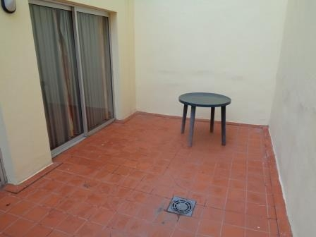 Großzugiges Appartement im Stadtzentrum mit Innenhof. Komplett möbliert. Fahrstuhl, Einbauschränken. Immobilie zur Miete - Paluum