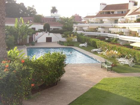 Appartement im Luxusanlage mit 32 m² Garten und großer Terrasse.