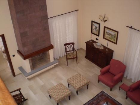 Besonderes und geräumiges Haus mit Kamin, Terrassen und Blick zum Meer.   Immobilie zum Kauf - Paluum