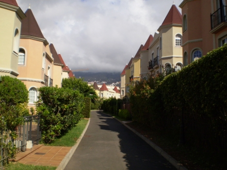 Sehr gepflegtes Doppelhaus mit Garten Immobilie zum Kauf - Paluum