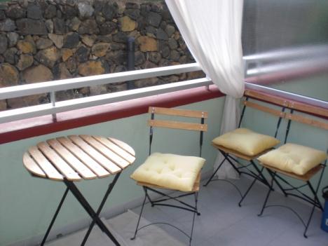 Sehr ruhiges Studio-Appartement mit Terrasse. Möbliert. Renoviert.
