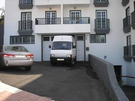 Geschäftslokal mit großem privatem Parkplatz. Immobilie zur Miete - Paluum