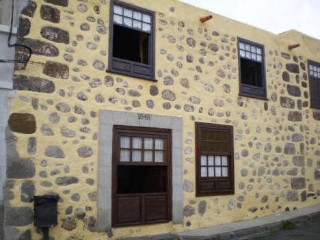 """Casa """"rural"""" verteilt im 3 Wohnungen mit Terrasse und Garten."""