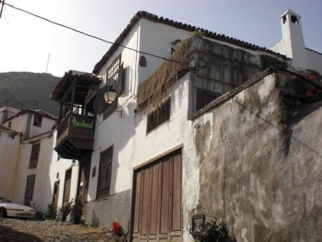 Grosses kanarisches Haus mit Garten, Terrassen und grossen Zimmern.