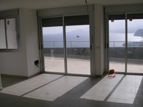 Wonderschones Penthouse-Apartment mit eigenen Fahrstuhl und Panoramischen Aussichten