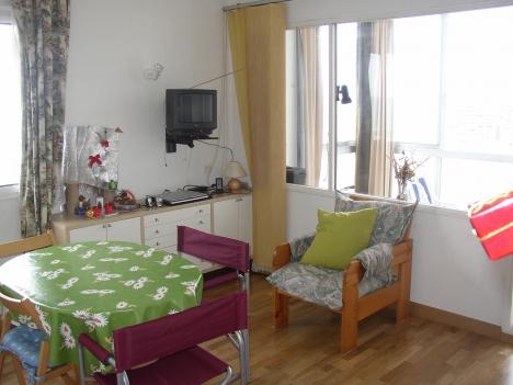 Möbliertes Appartement im Zentrum mit Panoramablick  Immobilie zur Miete - Paluum