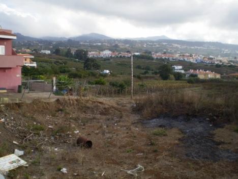 Bauland! projekt fur 4 Reihenhäuser. Blick nach Meer und Teide. Gut Situiert. Immobilie zum Kauf - Paluum