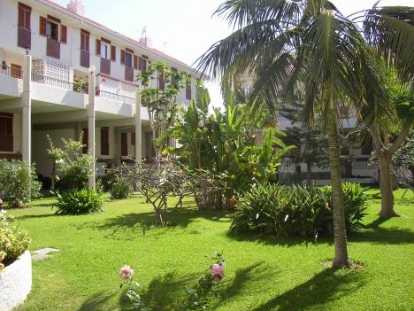Reihenhaus mit 40 m2 Garten im Wohngebiet, nicht weit vom Stadtzentrum entfernt. Immobilie zum Kauf - Paluum