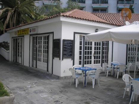 einer emblematischen Bar mit Kunden, sehr profitabel Immobilie zum Kauf - Paluum