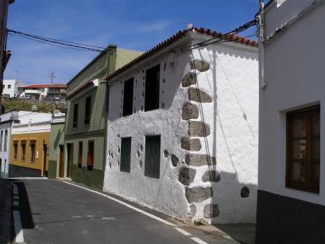 Komplett renoviertes Kanarischen Haus mit  garten und Appartment Immobilie zum Kauf - Paluum