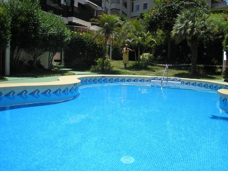 Möbliertes Appartement mit einem Schlafzimmer und mit beheizter pool,sehr Ruhig gelegen.