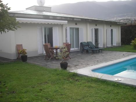 Sehr schönes Haus mit Grosse garten und Pool Immobilie zum Kauf - Paluum