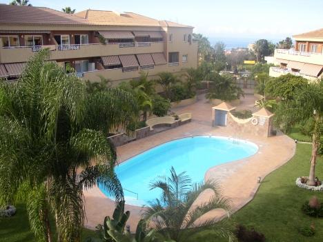 Wohnung in schöner Anlage mit Pool und Garten Immobilie zum Kauf - Paluum