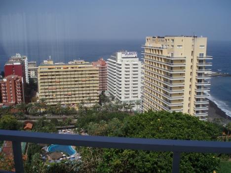 Panorama Blick, sonnig mit Dachterrasse.