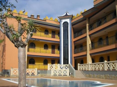 Gemütlichen Wohnung mit 2 Schlafzimmern und 2 Badezimmern, Pool, Garageplatz, situiert in einer sehr Immobilie zur Miete - Paluum