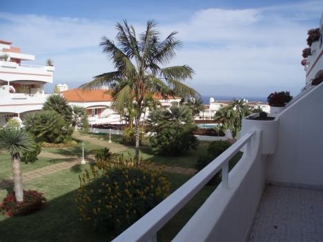 Tolle sonnige Wohnung mit Terrasse und 2 Pools.