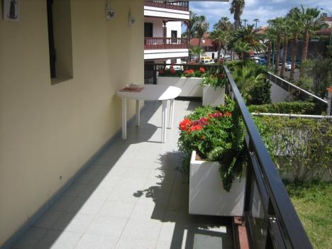 Grosses Wohnung mit 2 Doppelt Schlafzimmern, Wohn-Esszimmer, Eckterrasse, Gem. Pool. Sonnig und Ruhi
