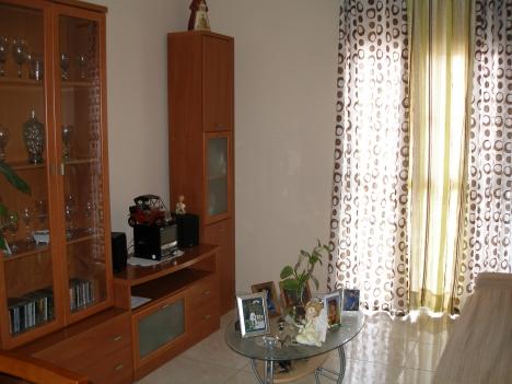 Schöne Wohnung mit zwei Schlafzimmern in der Toscal.
