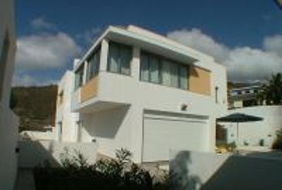 Auf circa 290 m² Fläche bietet dieses Haus maximalen Wohnkomfort in allen Bereichen Immobilie zur Miete - Paluum