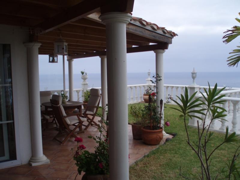 1 Sz, Terrasse mit Garten und super Blick.
