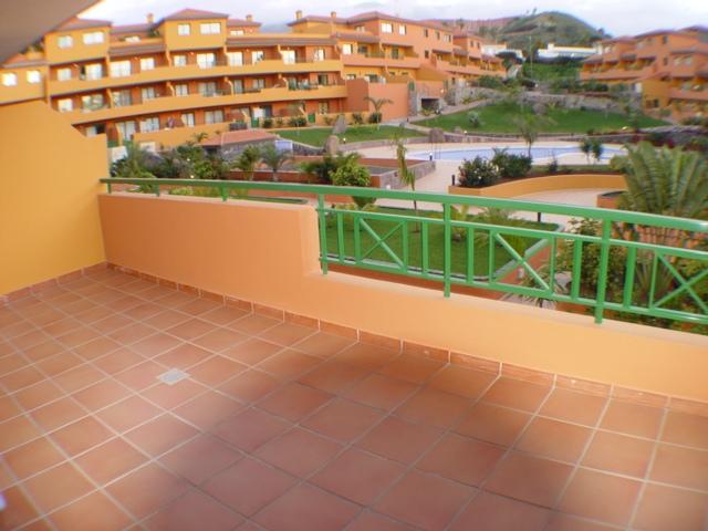 Sehr ruhrig gelegen und neues möbiliertes Appartement mit grosser Terrasse in einer ruhigen Anlage.
