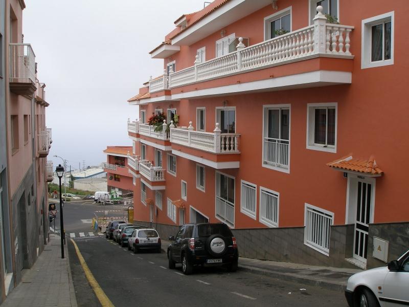 Geräumige Wohnung mit Terrasse ( Patio), hell, und möbliert