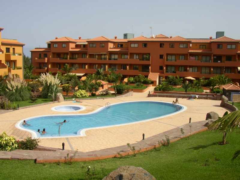 Möbliertes Appartement mit großer Terrasse direkt am Pool.   Immobilie zum Kauf - kanarenmakler