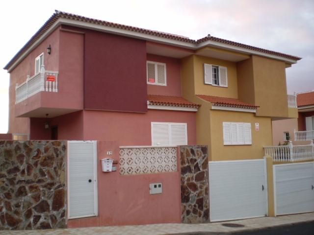 Doppelhaushälfte mit große Garage,