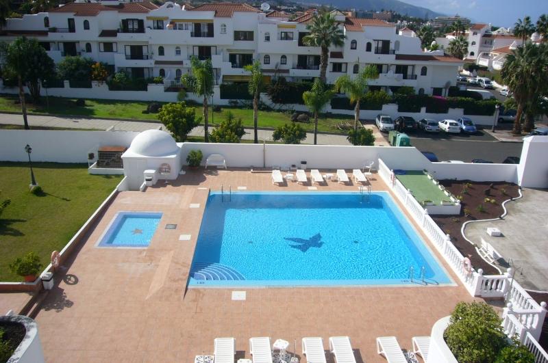 Sehr schönes Appartment mit Pool und Blick! Immobilie zur Miete - Paluum