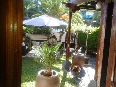 Gemuetliche Wohnung mit sonniger Terrasse und Garten.