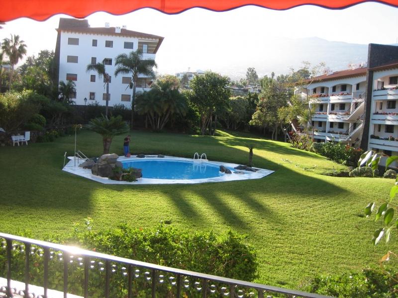 Gemütliche Wohnung im Komplex mit Schwimmbad und Parkplatz
