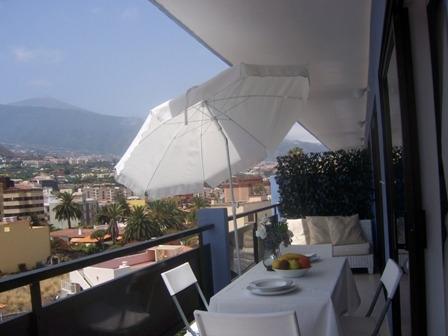 Wunderbare 1 Schlafzimmerwohnung mit  grossen Balkon  und Pool in Puerto de la Cruz .