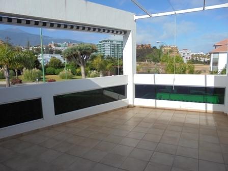 Herrliche sonnige Wohnung mit Terrasse.