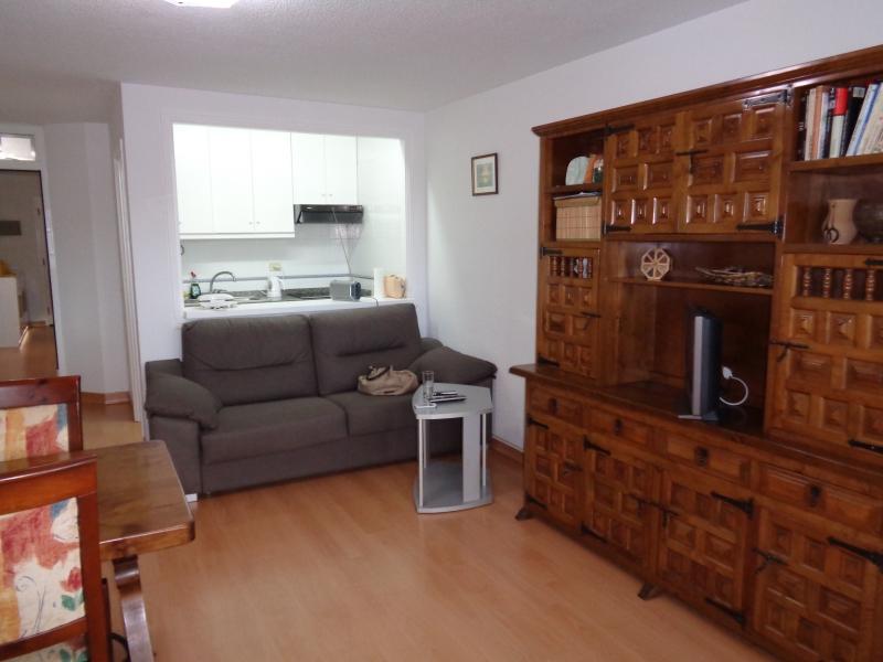 Sehr schöne Wohnung, vollständig renoviert, sehr hell und geräumig,