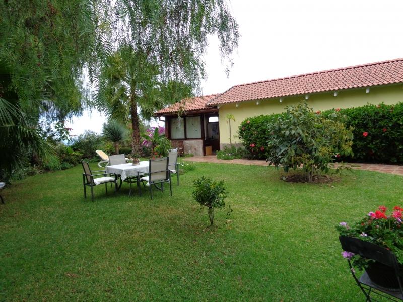 Schöne Villa mit großem Garten, sehr ruhig Situiert Immobilie zum Kauf - Paluum