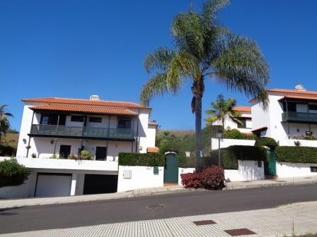 Grosse Familien Haus im Gute Gegend im Perfekte Konditionen und viele Extra's Immobilie zum Kauf - Paluum