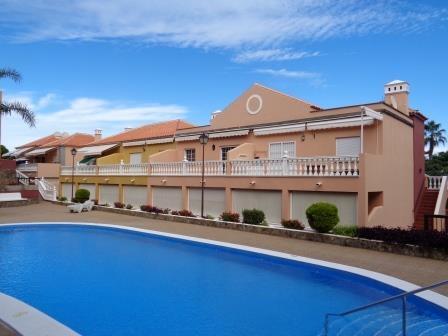 Gelegenheit Playa Jardín!  Mit Parkplatz und Pool! Immobilie zum Kauf - Paluum