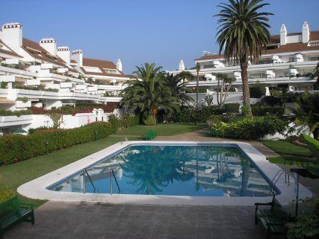 Schöne Wohnung mit beheiztem Pool und großer Terrasse!