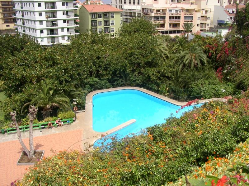 Schöne Wohnung im Zentrum, geräumig und sehr hell, Parkplatz und Gemeinschaftspool, Immobilie zum Kauf - Paluum