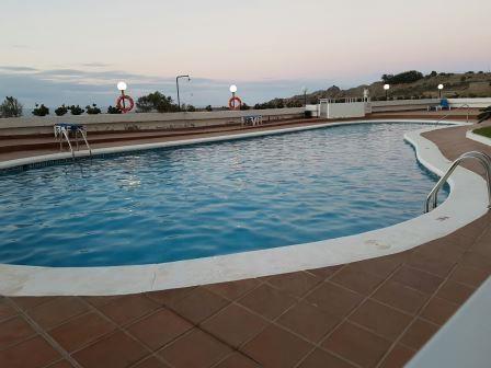 Gelegenheit! Direkt an Meer mit Zugang Zum ein kleines Strand! Pool und Solario. Immobilie zum Kauf - Paluum