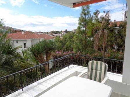 Botanico! Sehr nette Wohnung mit 2 SZ und Terrasse!