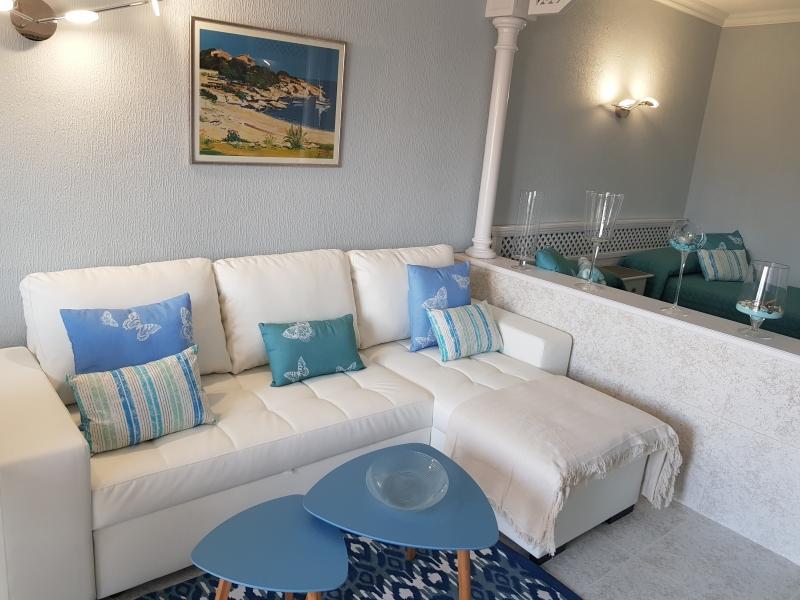 Luxuriöser Loft im Zentrum der Stadt, alle neuen, hochwertigen Möbel und Ausstattungen,
