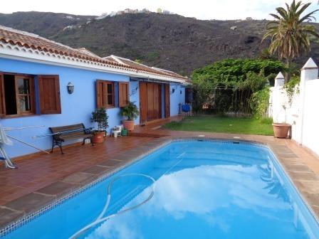 Unglaublich schönes Haus mit Garten, Pool und idealem Klima nahe der Küste Immobilie zum Kauf - kanarenmakler