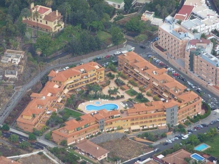 Schöne Wohnung mit einer großen Terrasse mit Blick auf den Pool!